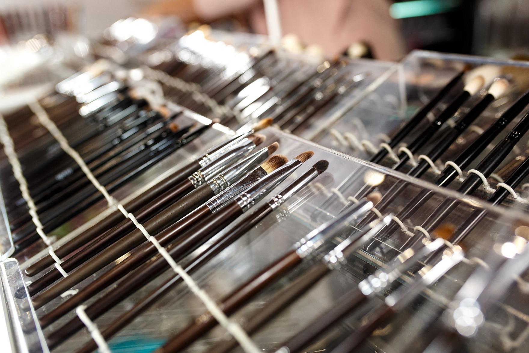 cosmetic stroe